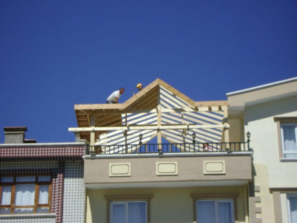 Teras Çatı İskeleti Kurulumu