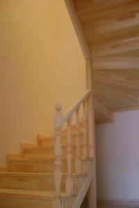Katlı Ev Ahşap Merdiven