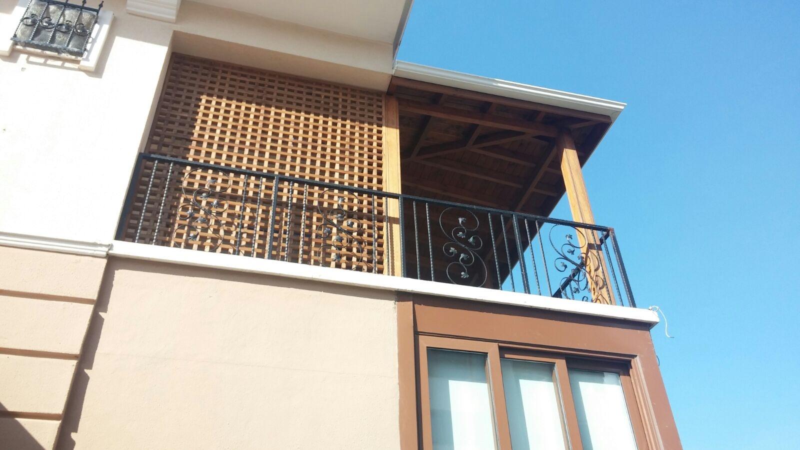 Balkon Seperatörlü Sundurma