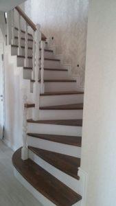 Ahşap merdiven uygulaması